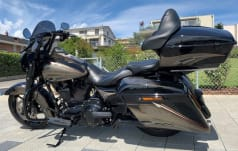 Harley-Davidson FLHRSE 1800 Road King FLHRSE 1800 Road King CVO AB