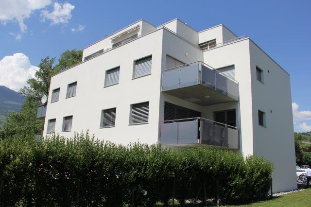 Bel appartement de 5,5 pièces au rez-de-chaussée d'environ 127m2