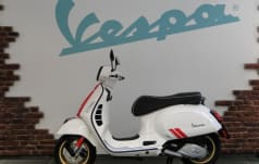 Piaggio Vespa GTS 125 Super Racing Sixties RST