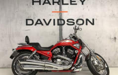 Harley-Davidson VRSCSE2 1250 Screamin Eagle V-Rod  roter Adler