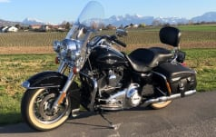 Harley-Davidson FLHRC 1690 Road King FLHRC 1690 Road King Classic