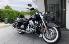 Harley-Davidson FLHRC Road K. Classic ABS